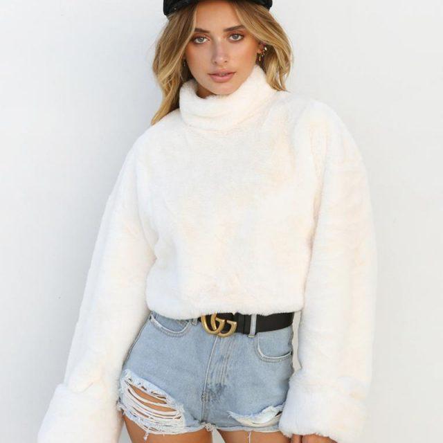 FURGAZI White Turtleneck Sweater